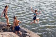 Veden äärellä